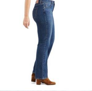 Levi's Low Boot Cut 545 Size 8 short